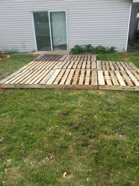 temporary deck pallet deck patio temporary back deck ideas pinterest