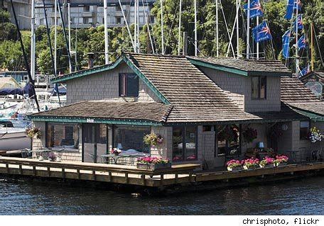 sleepless in seattle houseboat locations houseboat from sleepless in seattle seattle wa the moviefone