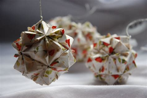 origami xmas decorations waiting for santa ideas on how to decorate your windows for