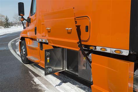 Tractor Sleepers by Integrated Tractor Trailer Sleeper Cab Bolt Custom Trucks