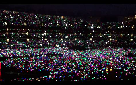 coldplay live 2012 coldplay live 2012 www imgkid com the image kid has it