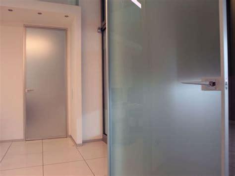 porte interne in alluminio e vetro tecnoinfissi s n c