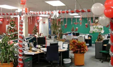 como decorar para navidad una oficina 10 ideas para decorar una oficina en navidad
