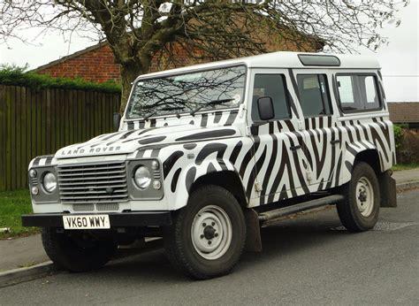 2010 Land Rover Defender 110 Td Longleat Daktari Paint