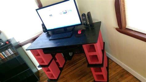 Cinder Block Desk by Diy Cinder Block Computer Desk Made By Lovely Fianc 233
