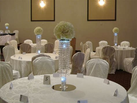 Crystal Centerpieces at Weddings   Set The Mood Decor