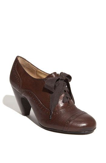 most comfortable womens oxford shoes oxfords oxford pumps and most comfortable shoes on