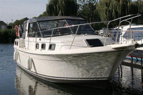 Carver Aft Cabin Boats For Sale by Carver Riveria 28 Aft Cabin Boats For Sale At Jones Boatyard