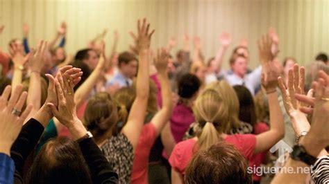 imagenes de personas orando a dios imagenes orando a dios iglesia orando gallery
