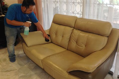 leather sofa cleaning professional leather sofa cleaning carpet and upholstery