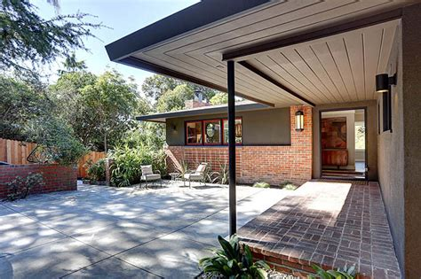 Eichler Style Home by Cal Modern Ranch Entry Courtyard Midcentury Entry