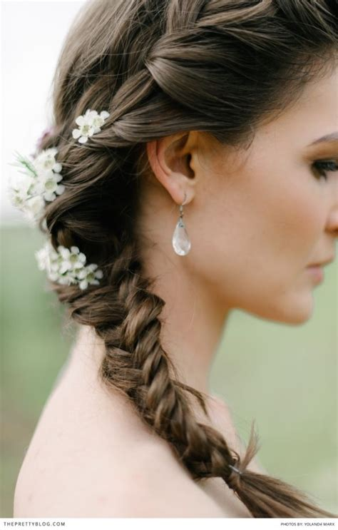 Wedding Hair Flowers Small by Summer Wedding In Styled Banquet Small Flowers