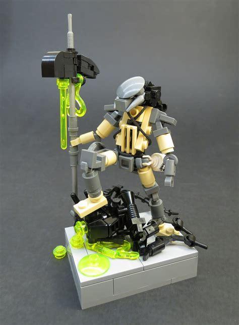 Brick Minifigure Predator the world s best photos of lego and predator flickr hive mind