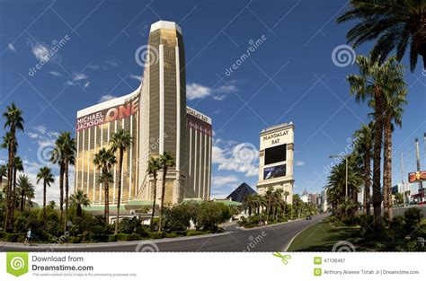 mandalay bay redefining resort with property wide resorts casino hotel editorial photo cartoondealer com