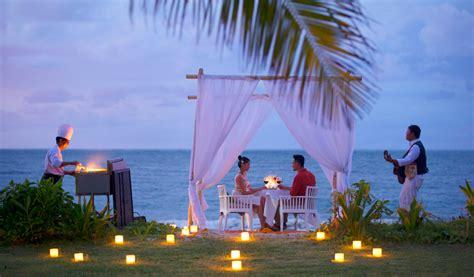 amazing romantic dinners  valentines day  bali