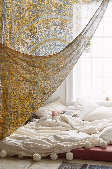 tapestry above bed top 17 beauty bohemian bedroom designs easy interior