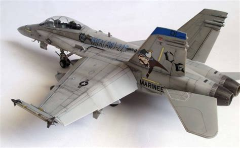 Hasegawa 1 48 07203 F A 18d Hornet Attack gallery image 4