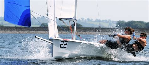 sailboat dinghy laser 2000 sailing dinghy great intro to racing sailboats