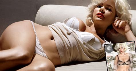 michelle williams us weekly michelle williams unveils sexy toned body on gq cover