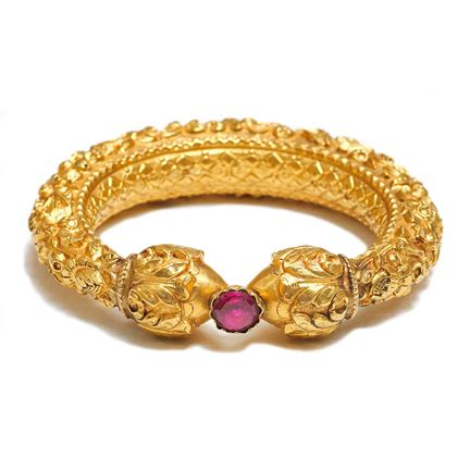 Bangles India Size L 24 sue ollemans indian period jewellery sold