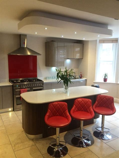 kitchen false high gloss handleless coloured kitchen with