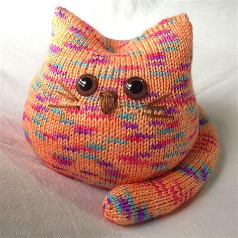 cat motif knitting pattern 15 free animal knitting patterns the funky stitch