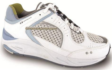 p w minor triumph athletic diabetic shoe womens