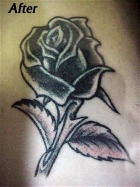 imagenes tatuajes blanco y negro tatuaje de una rosa en blanco y negro tatuajes de rosas