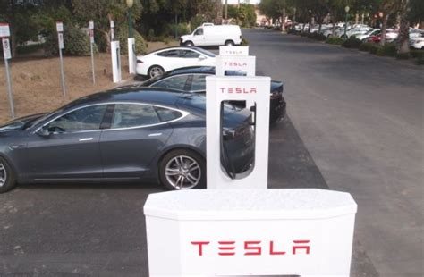 Tesla Recharge Stations Tesla Supercharger Map Fills In More U S Gaps For