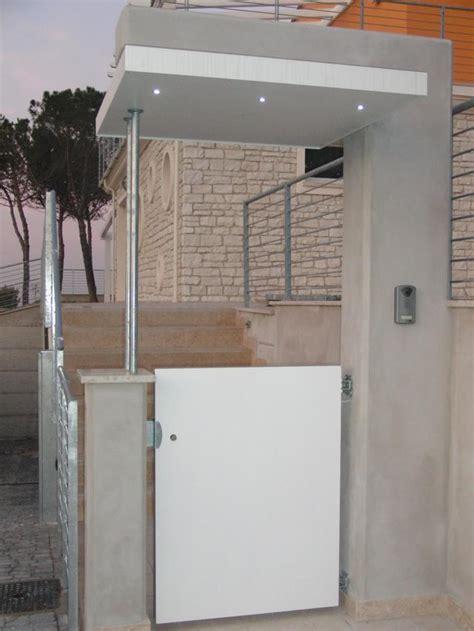 copertura porta ingresso tettoie per ingressi pedonali profilati alluminio
