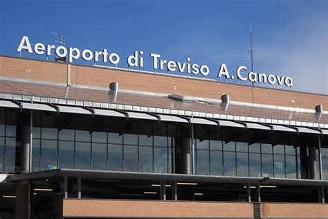best way to get to venice airport venice treviso airport tsf reliable transfer service