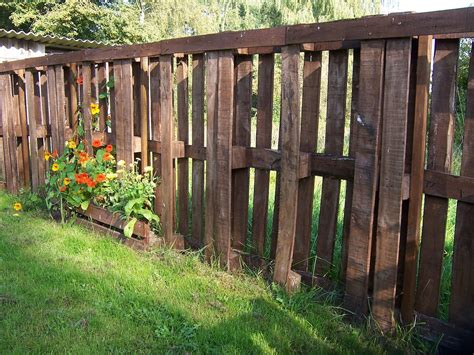 Gartenmöbel Deko by Farbstreifen Streichen