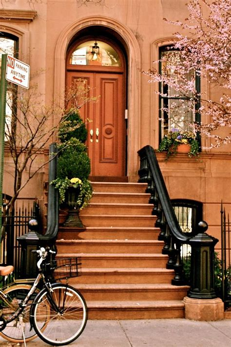 dream house nyc nyc brownstone dream house front doors posts brownstone nyc things new york