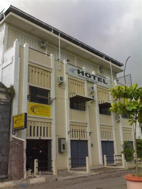 Jhon Pelangi Cafe Oleh Oleh Semarang hotel pelangi indah kota lama hotel untuk backpacker