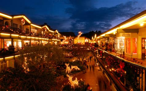 Search For By Town America S Best Towns For The Holidays Travel Leisure
