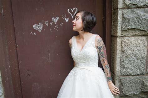 tattooed brides capitol inspiration offbeat modern tattooed brides