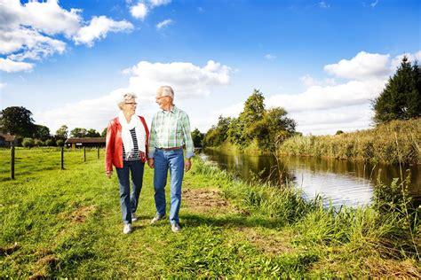 wandlen länglich bungalow voor actieve senioren vakantiepark de lindenberg