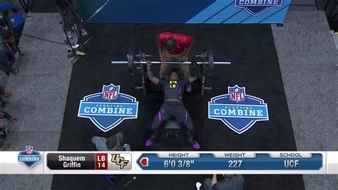 225 bench press nfl combine watch ucf s shaquem griffin bench press 20 reps of 225 lbs with one hand at nfl