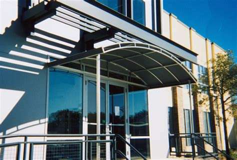 a commercial awning will let your business look its
