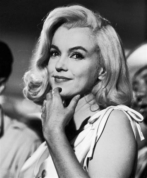 marilyn monroe long hair did marilyn monroe ever have straight hair quora