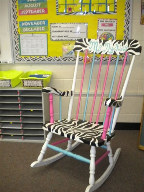 chagne wishes reading chairs 1000 ideas about teacher chairs on pinterest painted