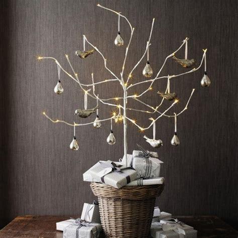 arbol de navidad con ramas secas ideas para decorar con ramas en navidad hab 237 tala