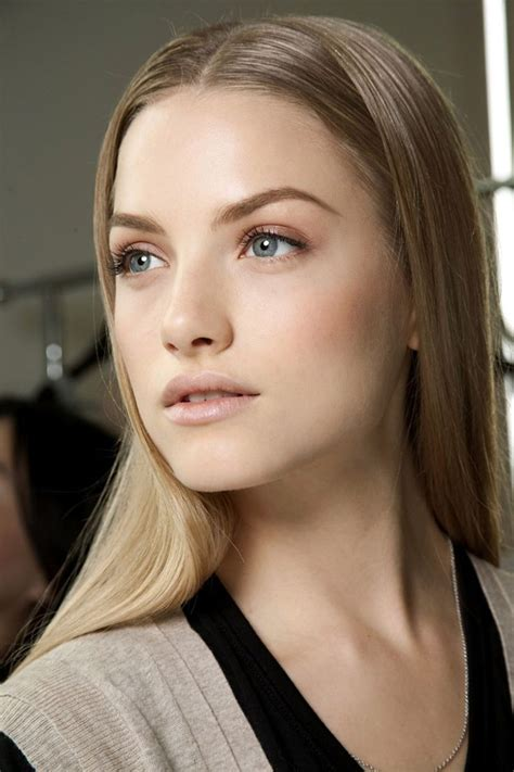 No Naura 7 tips on how to pull a makeup look correctly