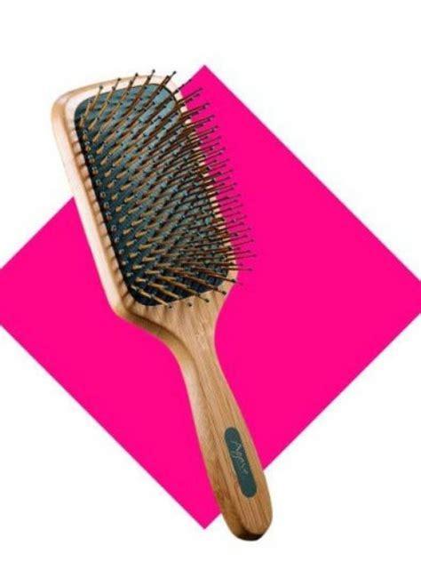 Sisir Rambut Unik Bentuk Tangan 3 cara tepat bersihkan sisir sesuai jenisnya lifestyle