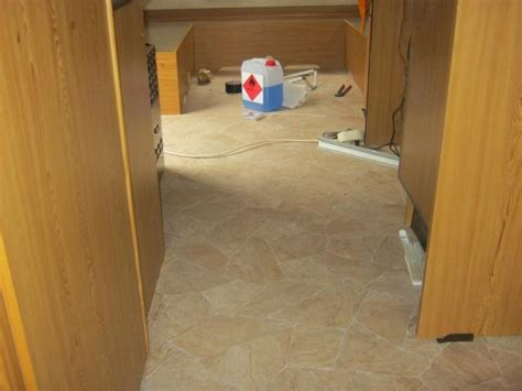 wohnwagen teppich hobby bj 81 wasserschaden wegen teppich wohnwagenforum