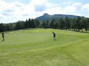 pilot knob park golf course in pilot mountain