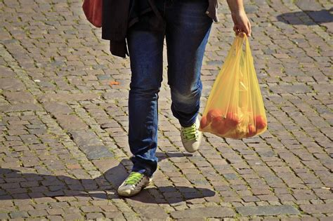 good   bad  plastic bag bans research review
