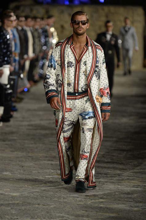 Catwalk To Carpet Fergie In Dolce Gabbana by Dolce Gabbana Alta Sartoria Fall 2016 Menswear Collection