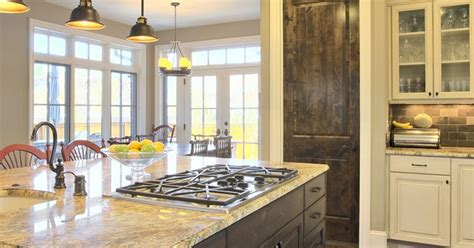 What S New In Kitchen Countertops Granite Vs Quartz What S The Difference Classic