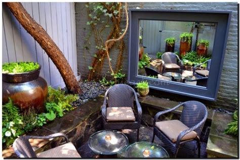 Nyc Backyard Ideas by Spiegels Ter Decoratie In De Tuin Waar Moet U Op Letten